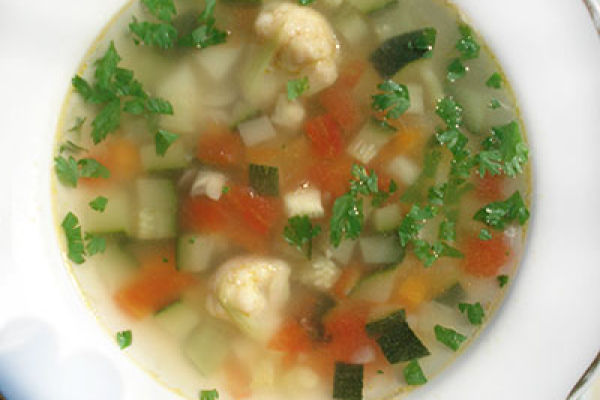 Суп вегетарианский с кабачками
