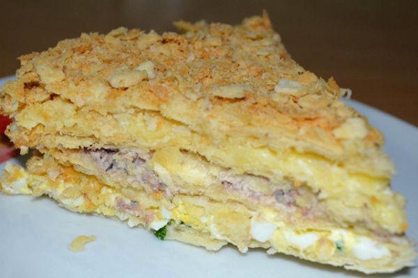 Закусочный торт Наполеон с консервой