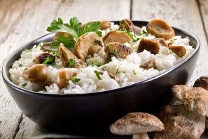 Рис с орехами и грибами