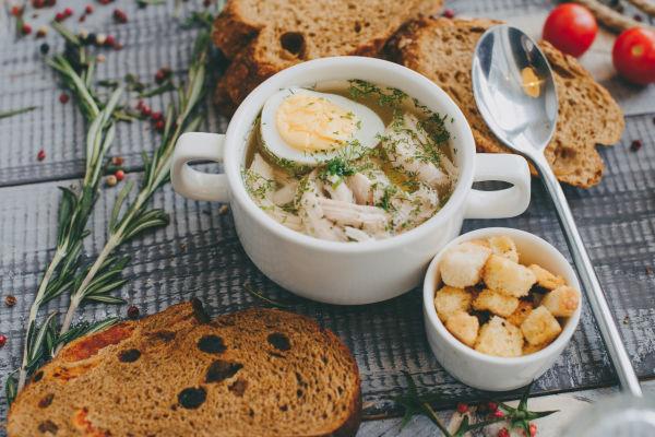 Куриный бульон— все секреты приготовления и чем же так полезен «бабушкин пенициллин»