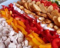 Красочный и легкий салат на праздничный стол
