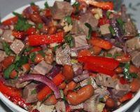 Салат с фасолью и мясом