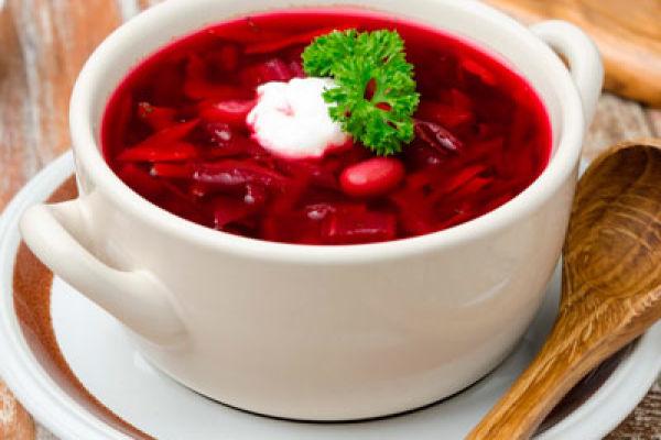 Любимое блюдо многих – красный борщ