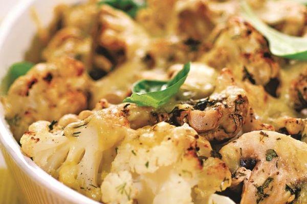 Цветная капуста с грибами под сырным соусом