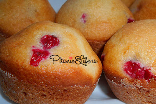 Вкуснейшие кексы из манки с ягодами