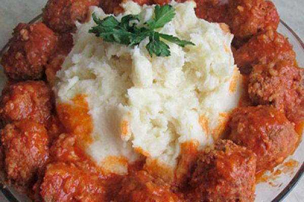 Самые вкусные тефтельки с рисом в томатном соусе!