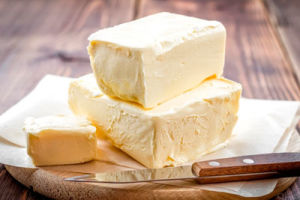 Как правильно выбирать сливочное масло? Как отличить подделку от натурального?