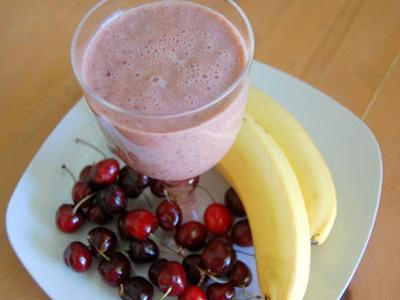 Бананово-вишневый напиток