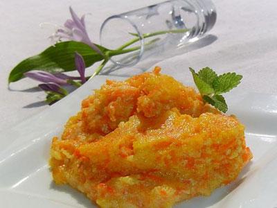 Каша манная с добавлением морковки