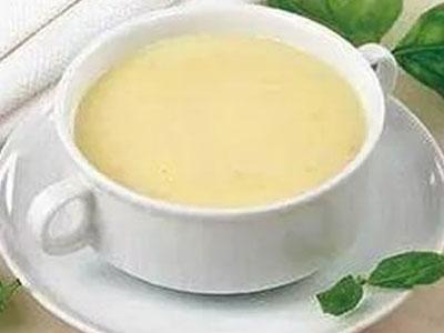 Манный суп с добавлением яйца