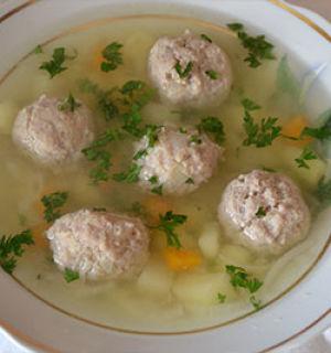 Вкуснейший суп с фрикадельками готовится быстро и просто
