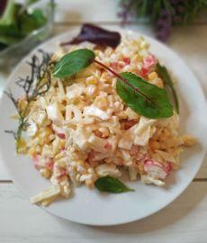 Крабовый салат с необычным ингредиентом
