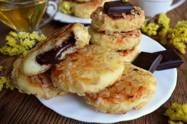 Сырники с шоколадом в овсяной панировке