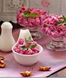 Свекольный салат с курочкой