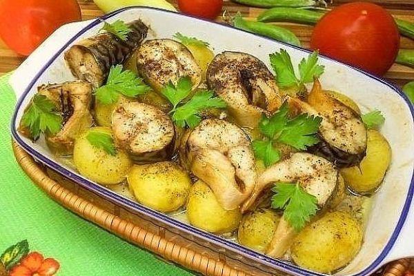 Картошечка запеченная со скумбрией