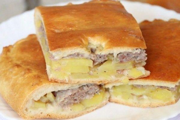 Вкусный мясной пирог