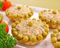 Тарталетки с начинкой — очень удобная порционная закуска