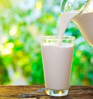 На что обращать внимание при покупке молока?