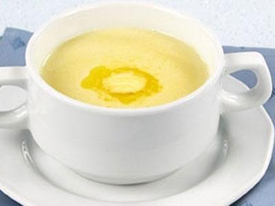 Суп приготовленный на молоке с манкой