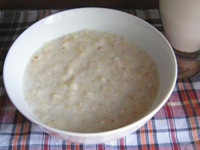Суп (слизистый) приготовленный на молоке с ячневой крупы