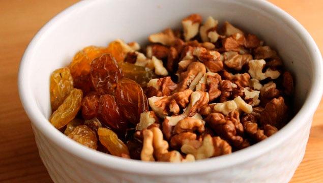 орехи с фруктами